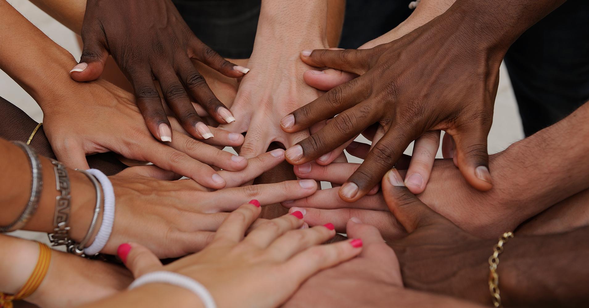 Fingrar och händer. Foto: mangostock/depositphotos.com.